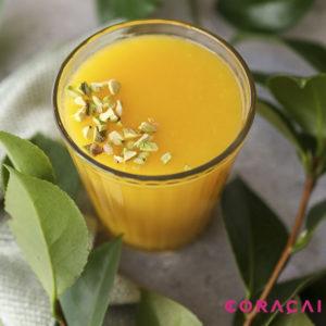 zumo con pulpa de mango congelado